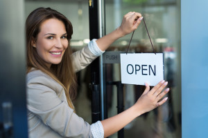 Insuring an E-Commerce Shop Versus a Brick-and-Mortar Store
